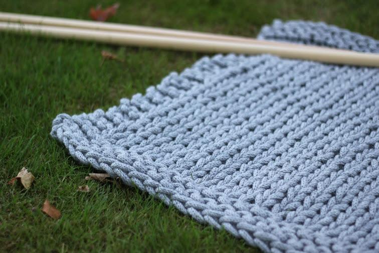 Giant knitted blanket